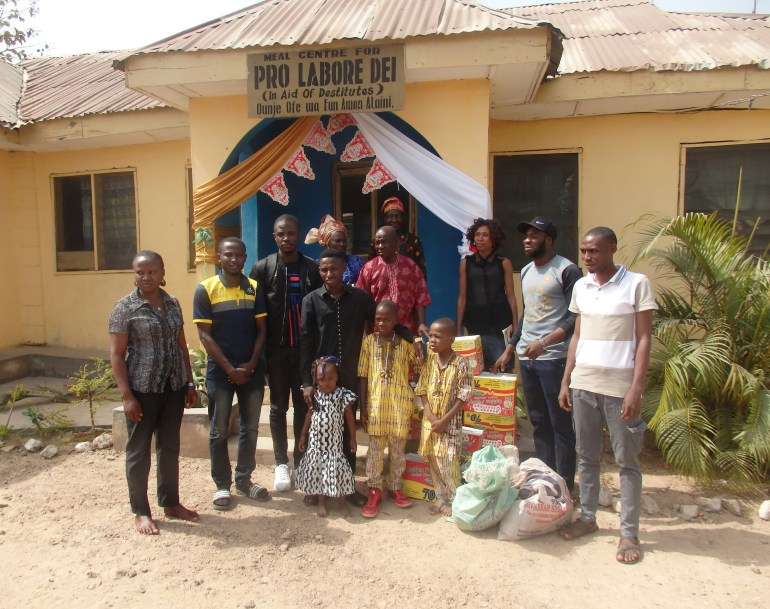 Ambassadors of Iwoland Shared Food Items To The Less Privileged and Orphans