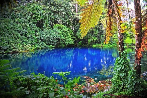Nanda Blue Hole, Santo, Vanuatu