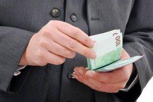 Paiements en espèces limités pour les Français