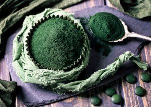 Spirulina indeholder både vitaminer og mineraler
