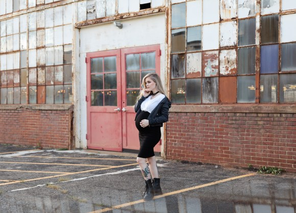 90s grunge maternity styled shoot by Elizabeth A. Images