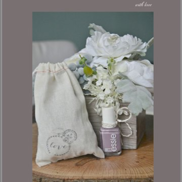DIY Gift for girls using Essie Nailpolish and print on muslin bag