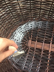 DIY Chalk Painting basket in Americana DecoArt