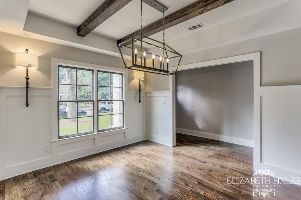 beams in dining room