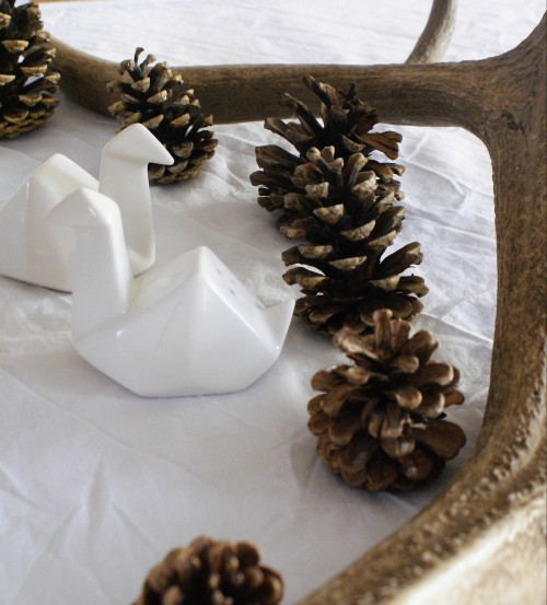 hygge, interiors, interior design, home, cosy, top tips, christmas, pine cones, antlers, swans