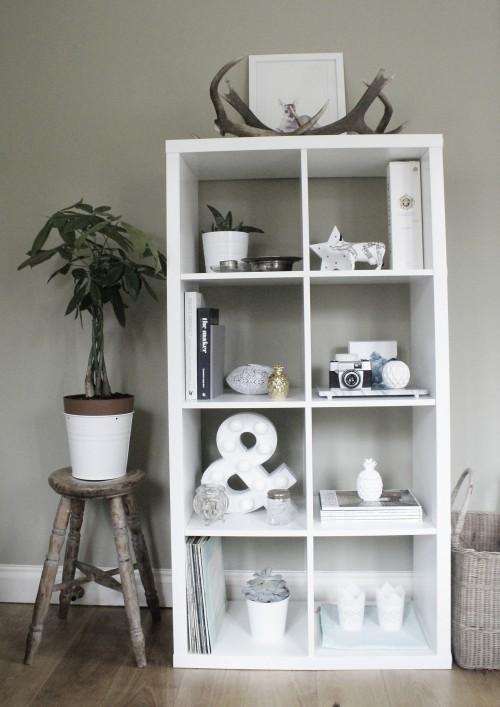 shelf styling tips at elizabethdanon.co.uk