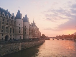Sunset by the Conciergerie
