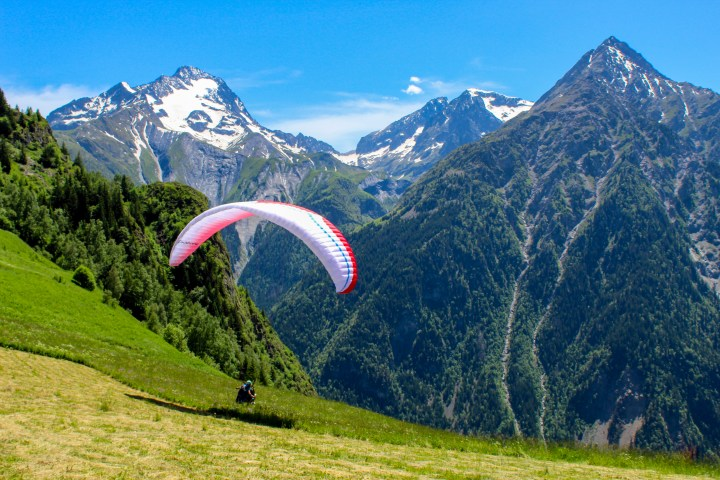 paragliding in Les 2 alpes