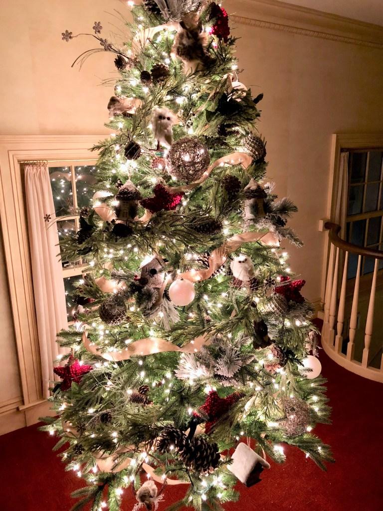 A Natural Woodland Christmas Tree Elizabeth Grace Gardens