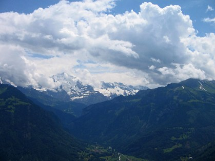 Looking across to Jungfrau.