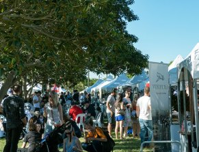 Crowds of chilled out Sydneysiders in search of the perfect glass of wine.