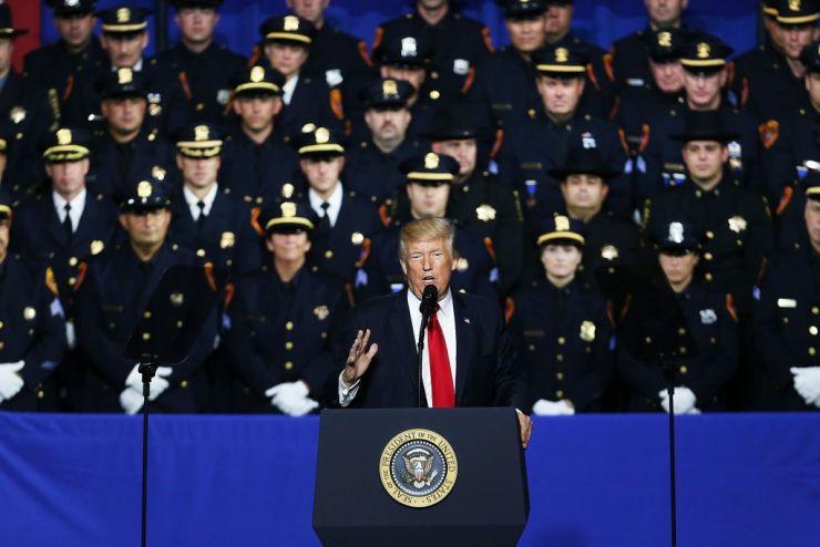 foto Trump en el teatro
