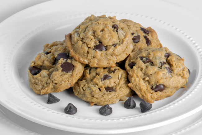 Flourless Oatmeal Peanut Butter Chocolate Chip Cookies