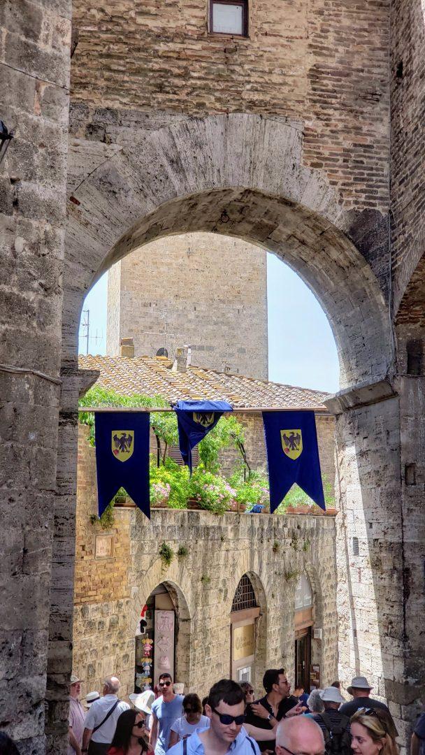 Toscana Italia San Gimignano enfim enquanto então entretanto eventualmente igualmente inegavelmente inesperadamente mas outrossim pois porquanto porque portanto posteriormente precipuamente primeiramente primordialmente principalmente salvo semelhantemente similarmente