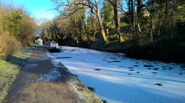 How to Winter on a narrowboat? The canal freezes over.
