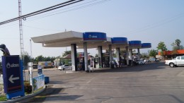 ~petrol station at Cha-Am...
