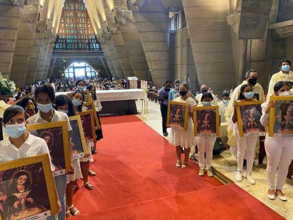 Obispos inauguran Ano Jubilar Altagraciano1