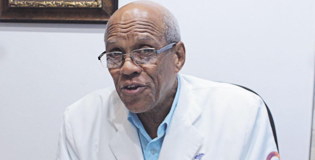 Dr. Lorezon Frías Marizán, director médico del Materno Infantil del Nordeste.