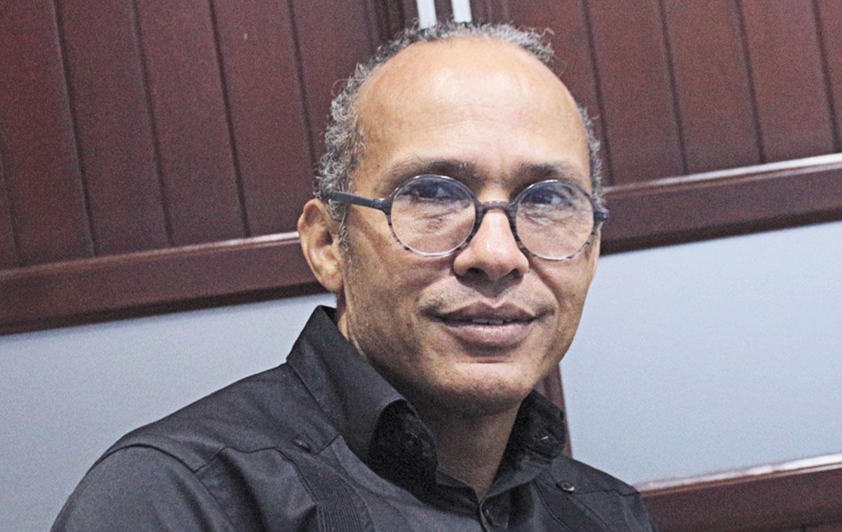 Dr. Sergio Romero, Presidente del Consejo Administrativo del centro de salud.