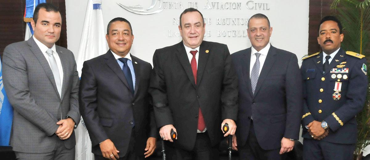 Pablo Lister, Alejandro Herrera, Alejandro Giammattei, Luis Ernesto Camilo y Aracenis Castillo.