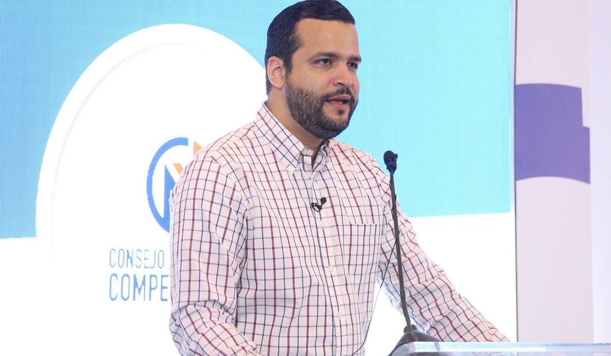 Rafael Paz de pro-competitividad, quien participo en el evento