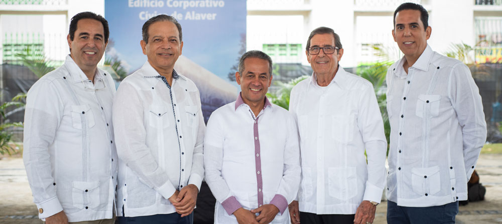 Ing. Ricardo Abreu, Arq. Gabriel Acevedo, Lic. José Francisco Deschamps, Ing. César Abreu, Arq. César Abreu, hijo.