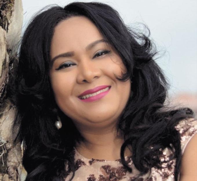 De cumpleaños la periodista Raquel Ortega.  Por tal motivo sus familiares y amigos de EL JAYA le desean muchas bendiciones y felicidad.