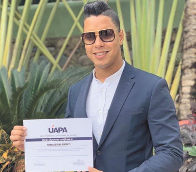 Recientemente recibió su título de Lic. en Derecho  de la Universidad UAPA el joven Yrmaldo Filpo Almonte. Por tan significativa ocasión sus familiares y amigos le desean muchos éxitos más y la bendición del Todopoderoso para que siga cosechando éxitos, como siempre lo ha hecho.
