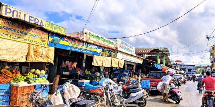 Ayuntamiento dispone el cierre total mercado público SFM