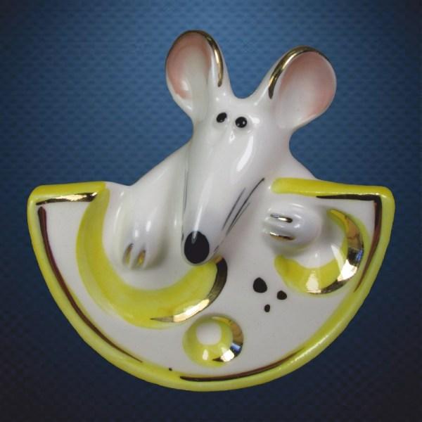 Стеклянная елочная игрушка Мышка с сыром 1