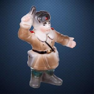 Фарфоровая елочная игрушка из серии СОЛДАТИКИ Фарфоровая Мануфактура КОМАНДИР ПЕХОТЫ ВОВ