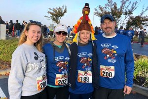 Grace Davis, Heather Davis,  Eli Davis, & Former Mayor of Elk Grove Gary Davis at the Elk Grove Gobble WobblePhoto Credit: Gary Davis