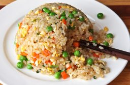 Delicious Chinese Fried Rice In 7 Minutes