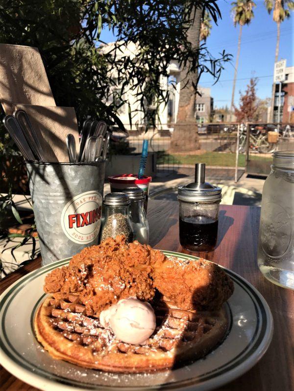 Fixins 2 piece chicken & waffle/Roshá Hester