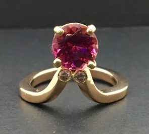 Baroque ring, Brazilian pink tourmaline, diamonds, 18k gold