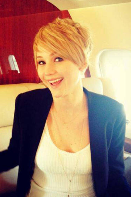 Jennifer Lawrence is living proof that a pixie cant can be as versatile as any hair length. She debuted her chopped hair on her Facebook, during her Hunger Games: Catching Fire press trail.