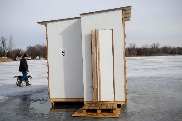 54-conversation-booth