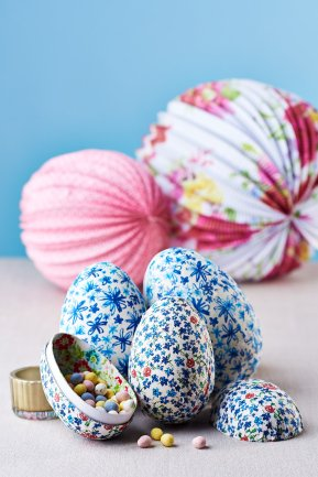 Ditzy Pattern used to cover easter eggs, Easter shoot image (c) Cliqq Photography
