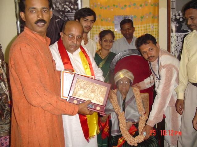 dr-gangubhai-hangal-and-ekavi-020.jpg