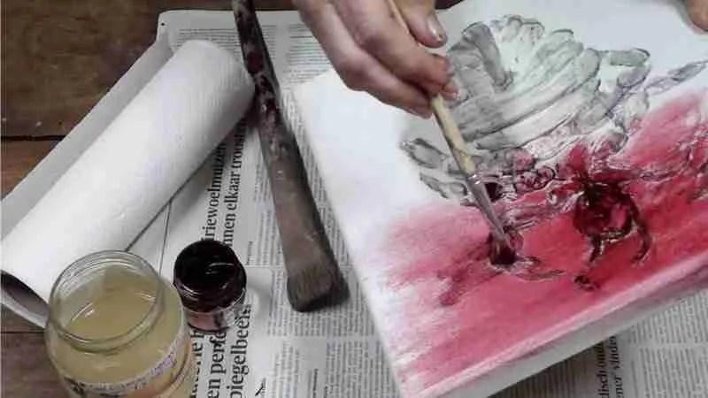 Fossiel van een luis. Karmijn rode olieverf opsmeren