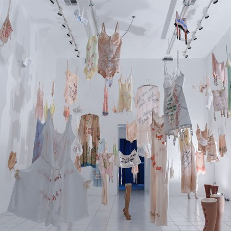 800x800-Every-Curve-Exhibition-Installation