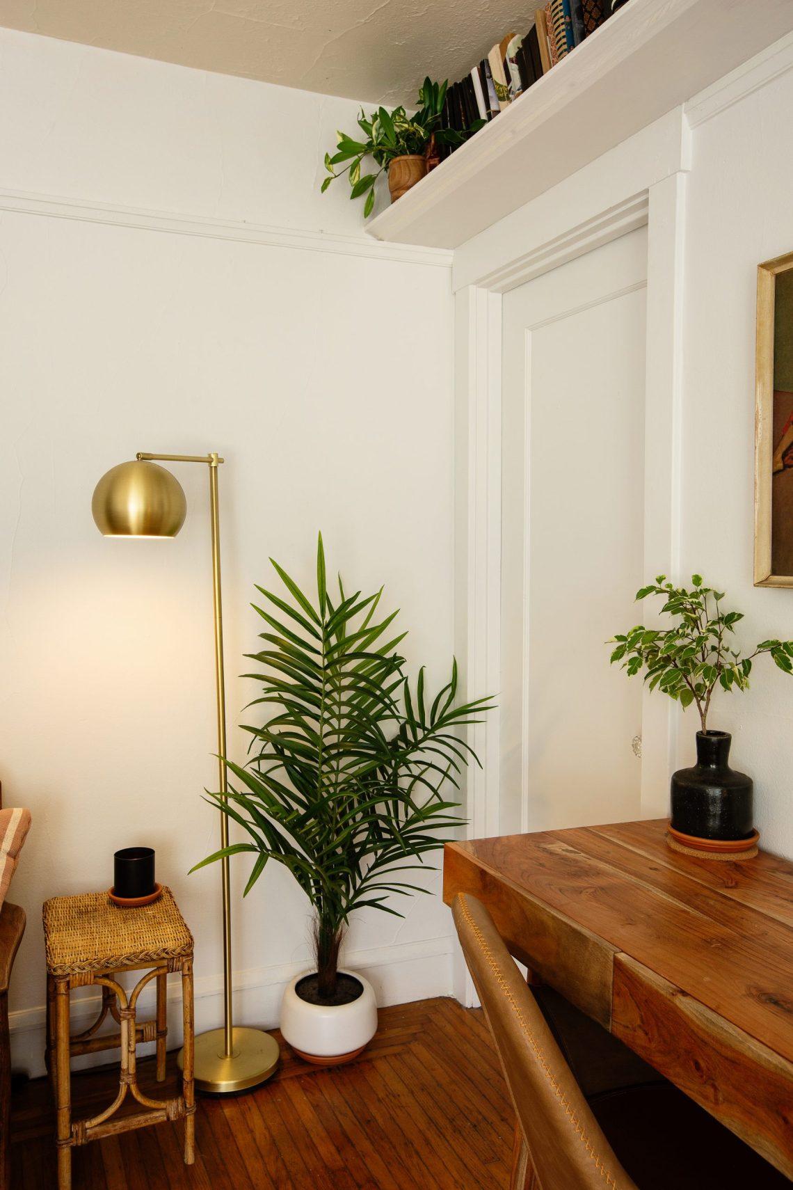 Interiors photographer Ella Sophie captures details of a Carrie Burch studio