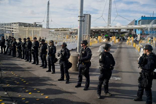 Protección de la guarda de estados unidos en la frontera. El Latinaso Noticias
