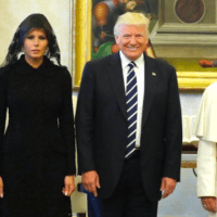 Pope Francis and Trump Meet, Exchange Symbolic Gifts
