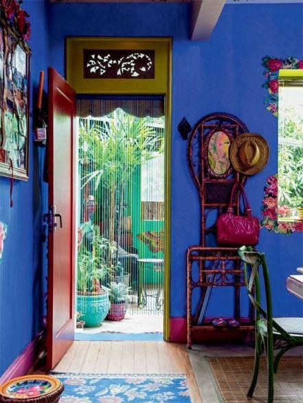 blaue Wand dunkle Möbel | 7 STEPS: Die perfekte Mexikanische Dekoration