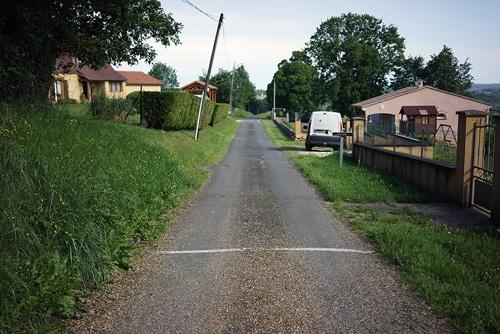 camino rural frances marcado con tiza