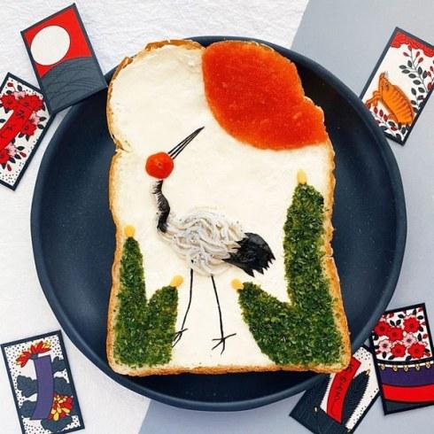 tostada artística con cigüeña y colores