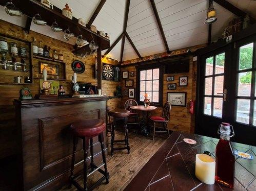 vista general del interior del pub durante el confinamiento