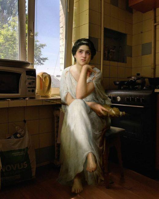 Mujer de una pintura clásica esperando sentada en la cocina