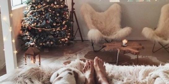 It's beggining to look a lot like Christmas: Οι ταινίες που θα σε βάλουν στο πιο γιορτινό mood! Η καλύτερη συντροφιά για αυτή την εποχή και τα βράδια που τίποτα δεν μπορεί να σε πείσει να βγεις για ποτό.